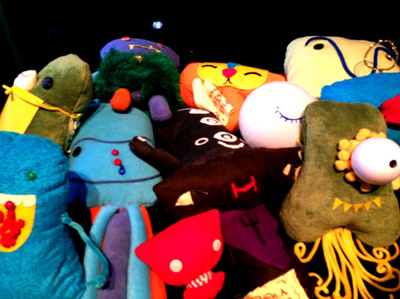 Re-Mix a Pillow workshop with Rilla Alexander and Felt Mistress - http://rmxapillow.tumblr.com/